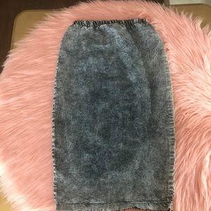 Dresses & Skirts - distressed denim skirt ✨✨✨
